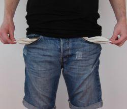 Можно ли взыскать долг, если у должника ничего нет?